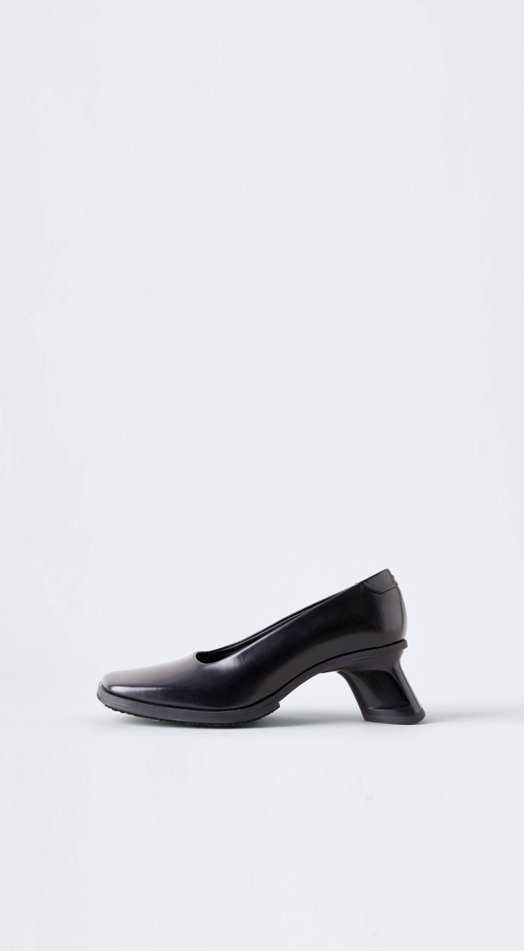 Onyx Heels